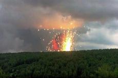 Из-за взрывов на военном складе эвакуируют жителей Ачинска