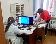В Глазове появилась служба по обзвону пациентов с коронавирусом и пневмониями