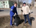 Более 250 сотрудников АО ЧМЗ приняли участие в субботнике «Зеленая весна - 2015»