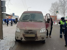 В Глазове на пешеходном переходе сбили 27-летнюю девушку
