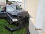 В Глазове автомобиль «Ауди» врезался в стену храма