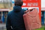 В Глазове задержали молодых людей, сливавших бензин из автомобилей