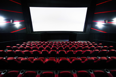 Правительство России потребовало закрыть ночные клубы и кинотеатры в регионах