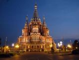 Проститься с Михаилом Калашниковым пришло более 8 тысяч ижевчан