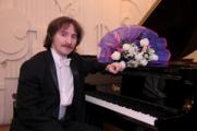 14 октября в Глазове выступит известный пианист Евгений Михайлов