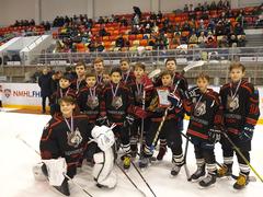 Юные глазовские хоккеисты завоевали серебряные медали на соревнованиях «Золотая шайба»
