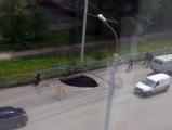 В Ижевске образовался очередной провал асфальтового покрытия