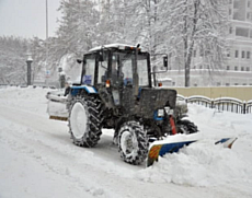 Жители Удмуртии поверили в новость об аресте трактоиста, воровавшего муниципальный снег
