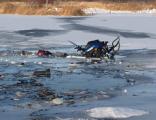На Каме провалился под лёд снегоход с тремя рыбаками