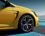 Хэтчбек нового поколения от Renault получит шины Bridgestone
