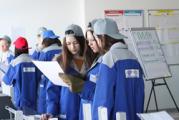 Глазовские школьники провели первую «рабочую смену» на Фабрике процессов ЧМЗ
