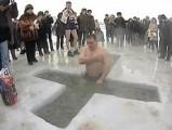 В Удмуртии в ночь на Крещение искупалось около 24 тысяч человек