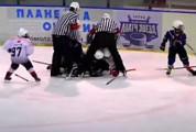 В Мамадыше хоккейный матч между 9-летними хоккеистами запомнился массовой дракой