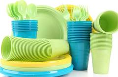 В общепите Удмуртии может исчезнуть пластиковая посуда
