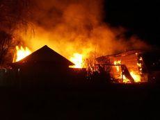 В Глазовском районе сгорела пилорама