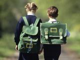 Школьники из глазовских многодетных малообеспеченных семей получили портфели