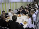 В Удмуртии школьников из многодетных семей обеспечат бесплатным питанием