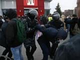На несанкционированной акции в Ижевске в поддержку Алексея Навального задержали 35 человек